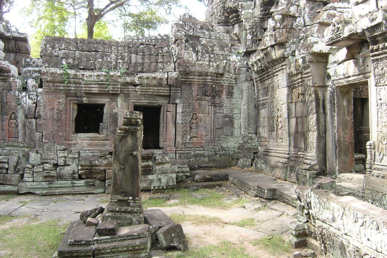 RTW Cambodia PB250067